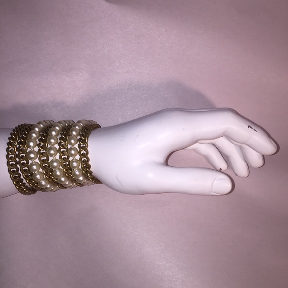 CHANEL Jewelry - RARE authentic vintage CHANEL chainlink pearl cuff